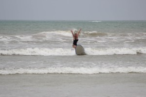 Milou surfing